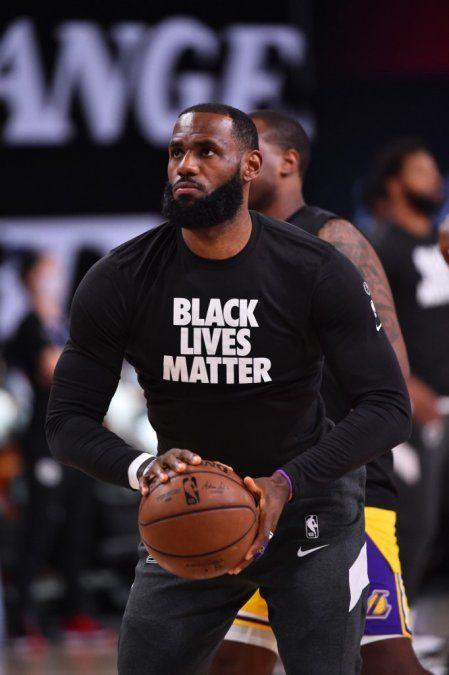 Volvió la NBA y los Lakers derrotaron a los Clippers con Lebron James como emblema
