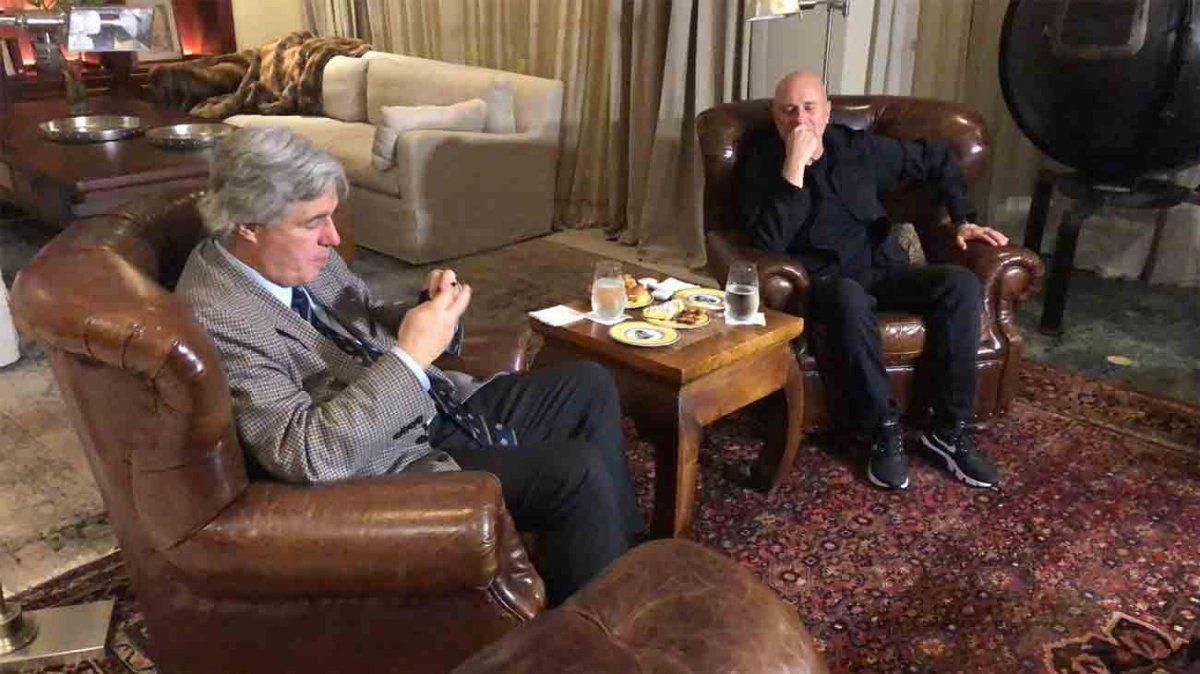 El canciller Bustillo anunció el cierre de dos embajadas y cinco consulados