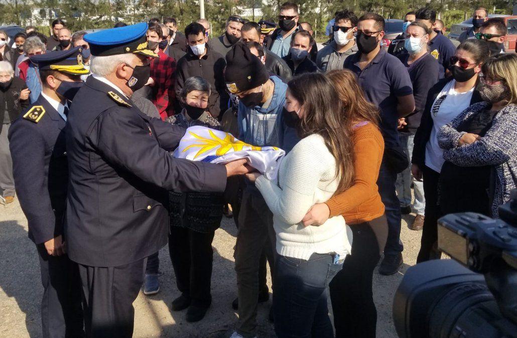 Se realizó el sepelio de Jorge Martínez, el sargento de policía asesinado el martes