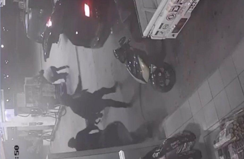 Intentan robar un cajero durante rapiña a estación de servicio
