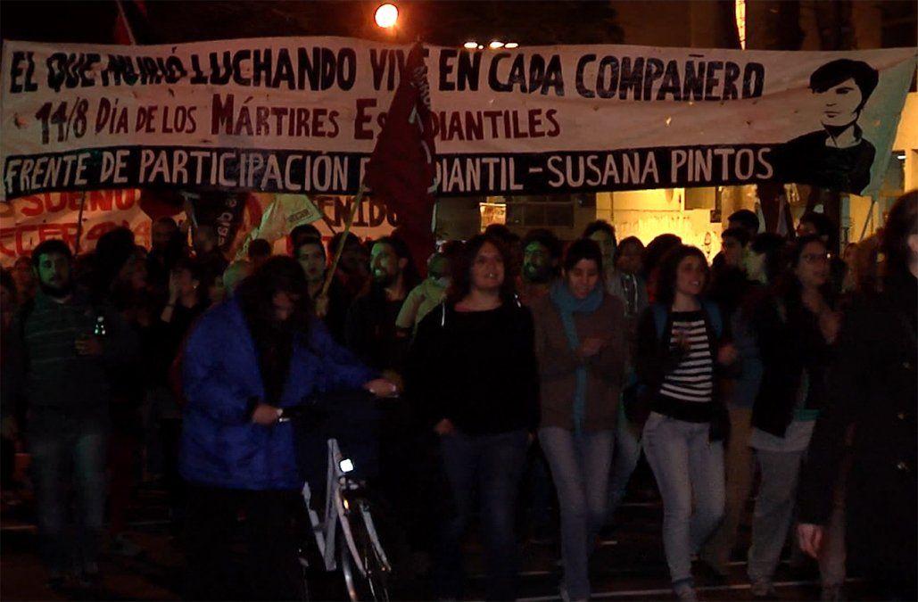 Marcha por los mártires estudiantiles a 52 años del asesinato de Líber Arce