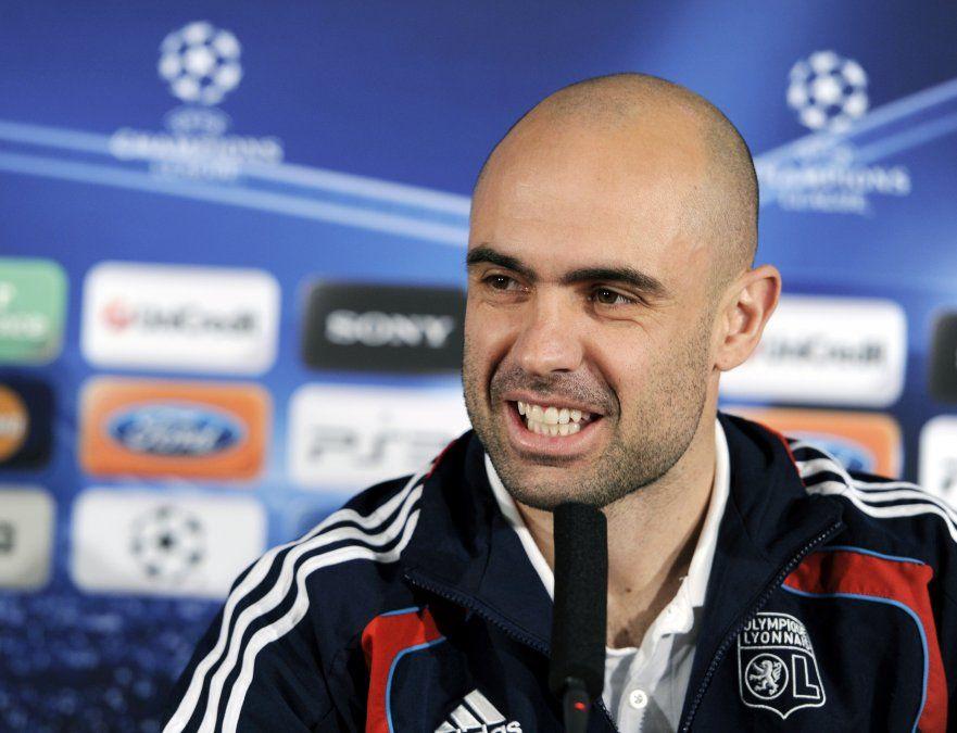 El exzaguero de Lyon Cristiano Marques fue capitán del equipo en aquella semifinal y resultó expulsado.