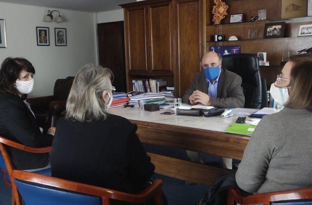 Colegio de Contadores colaborará en instrumentación del seguro de paro
