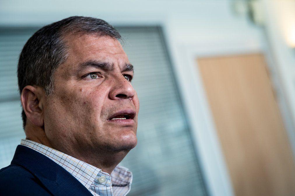 Rafael Correa, inhabilitado de por vida para ejercer la política en Ecuador
