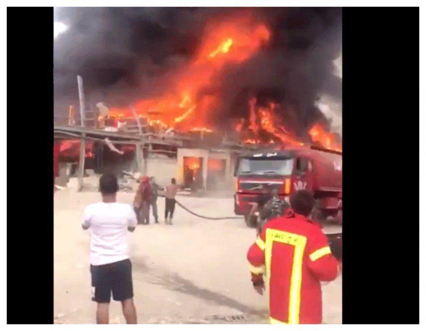 Incendio en el puerto de Beirut, a un mes de la explosión que dejó 190 muertos