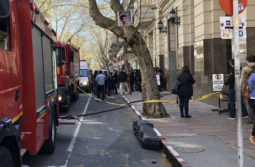 Bomberos desalojó el Palacio de los Tribunales por incendio en el subsuelo