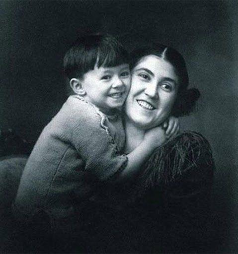 Benedetti con su madre