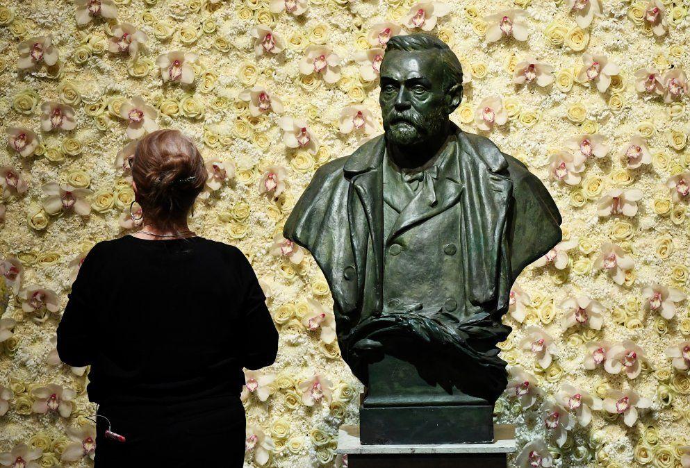 Busto de Alfred Nobel Concert Hall de Estocolmo