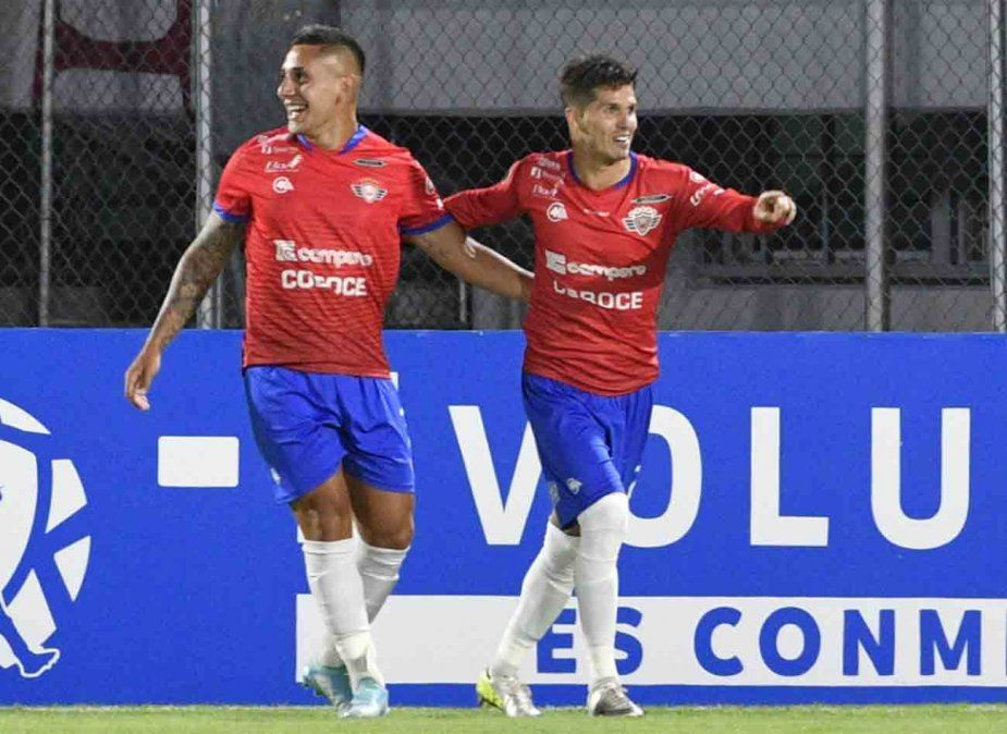 Patito Rodríguez guía el triunfo de Jorge Wilstermann sobre Peñarol