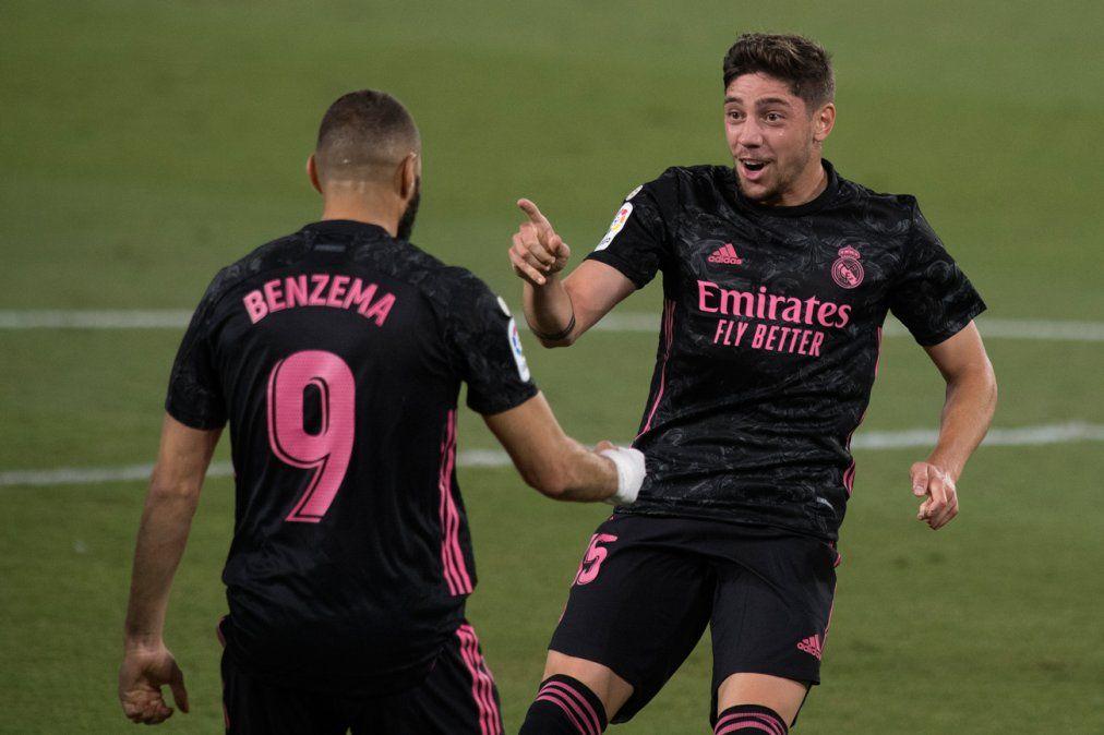 Valverde hizo un gol y jugó todo el partido en la victoria del Madrid ante el Betis