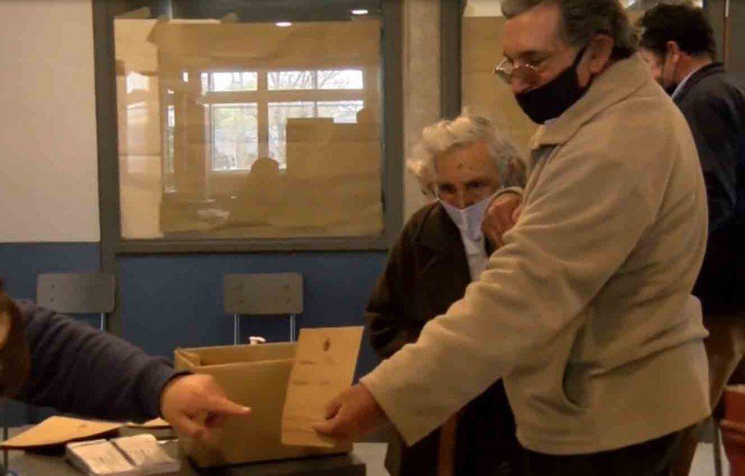 Con 101 años, Blanca Celeste votó este domingo en Paysandú