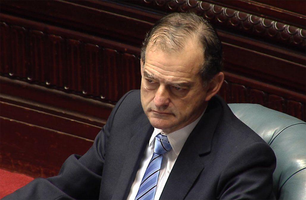 Comisión aprobó el desafuero de Manini, pero en el Senado no estarán los votos