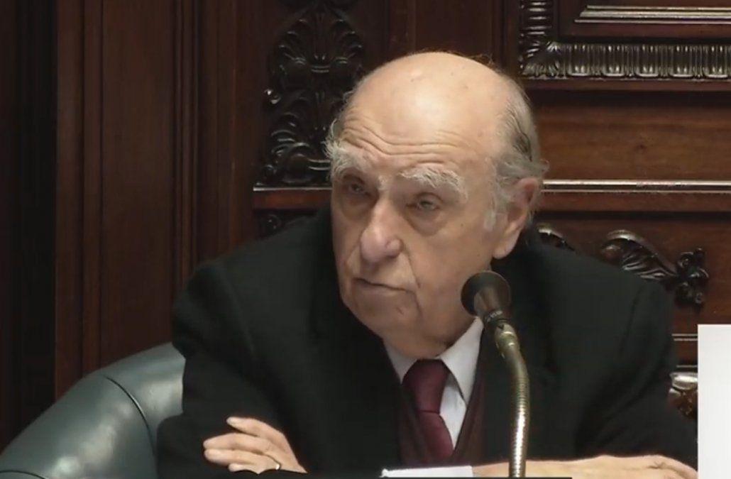 Sanguinetti: No veo una intención criminal, de ocultamiento, en la conducta de Manini