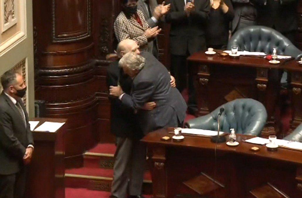 Día histórico en el Parlamento: Sanguinetti y Mujica renunciaron a sus bancas en el Senado
