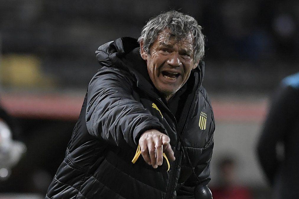 Mario Saralegui ha sido muy criticado por jugar con suplentes en el debut del Intermedio