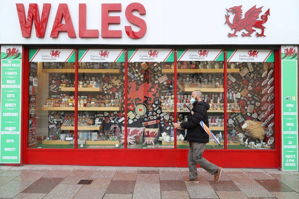 Gales vive un reconfinamiento general a causa de la segunda ola de Covid-19