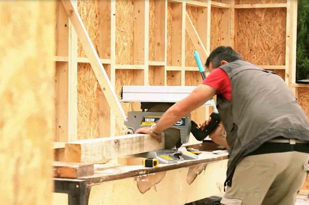 Moreira proyecta construir casas en madera de alta calidad para reducir costos