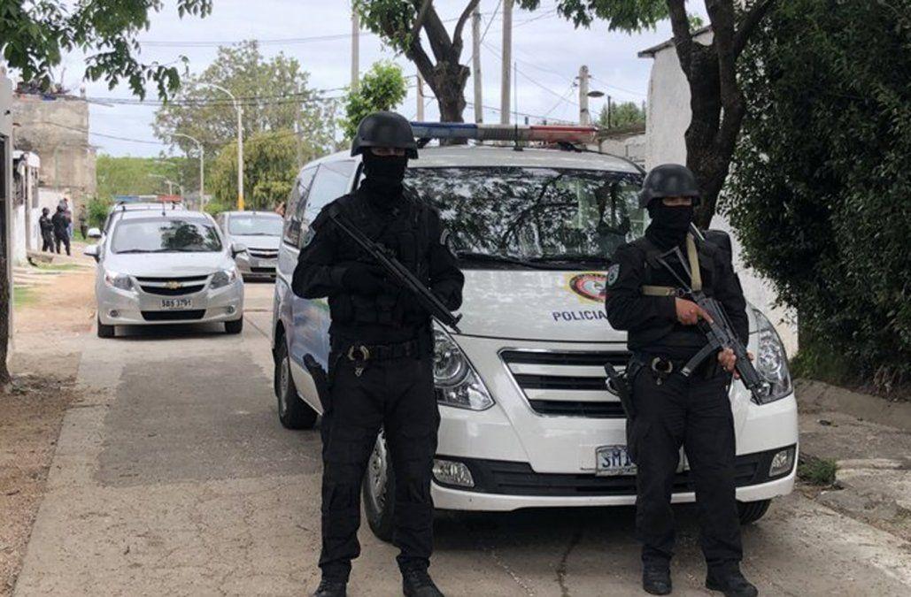 Policía realiza allanamientos en busca de los asesinos del matrimonio de Carrasco Norte