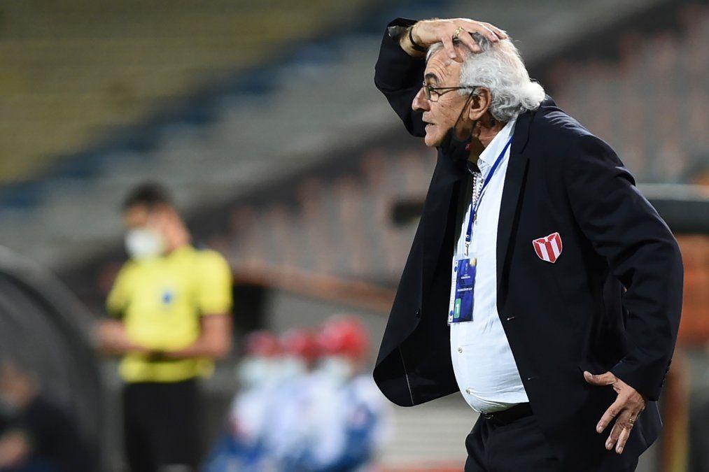 Jorge Fosatti maneja con criterio y autoridad a River Plate