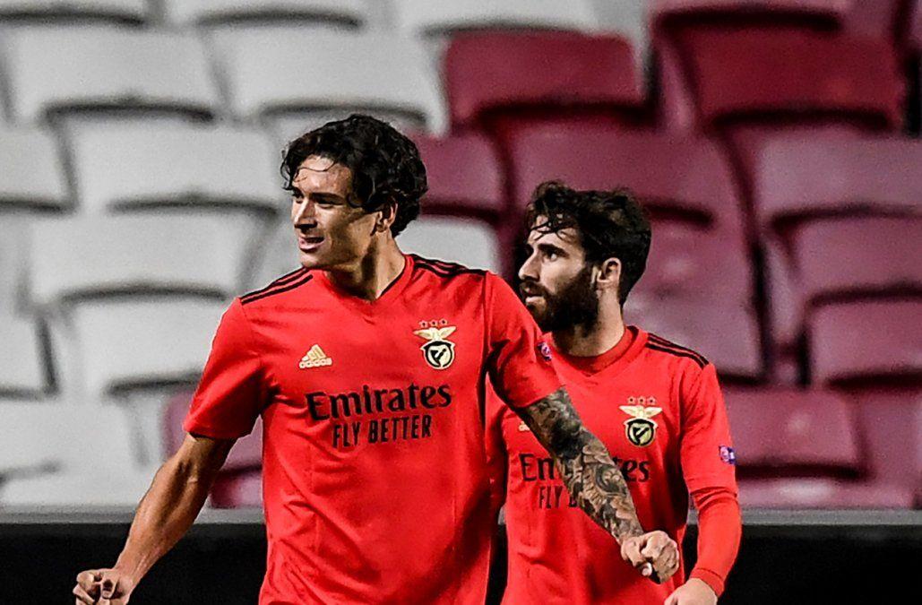 Darwin Núñez sigue sorprendiendo en el Benfica: jugó 30, dio un pase gol y anotó el empate ante Rangers