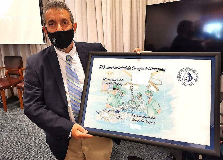 Sociedad de Cirugía celebra se centenario con nuevo sello conmemorativo