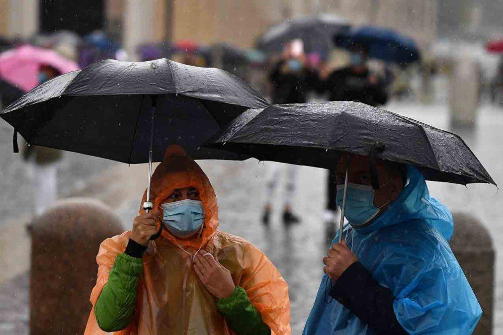 Rige alerta amarilla y naranja por tormentas fuertes para el norte del país