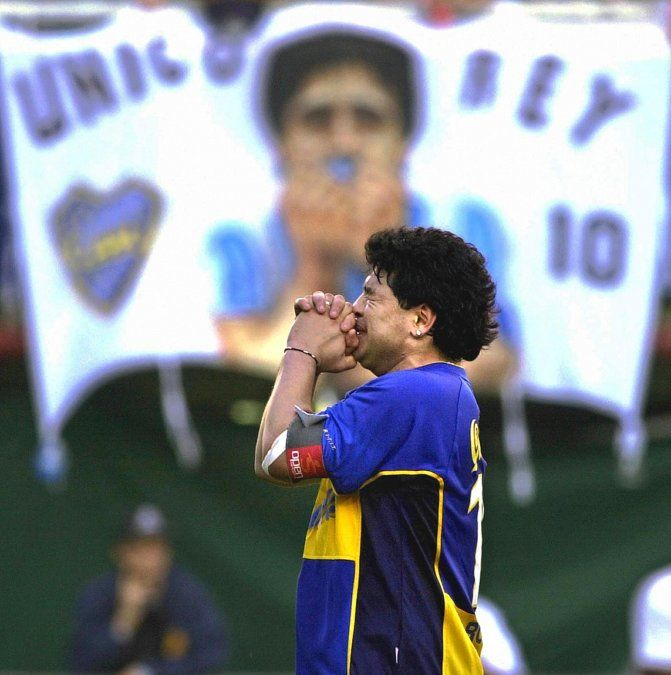 Durante un acto en su honor en el estadio La Bombonera.