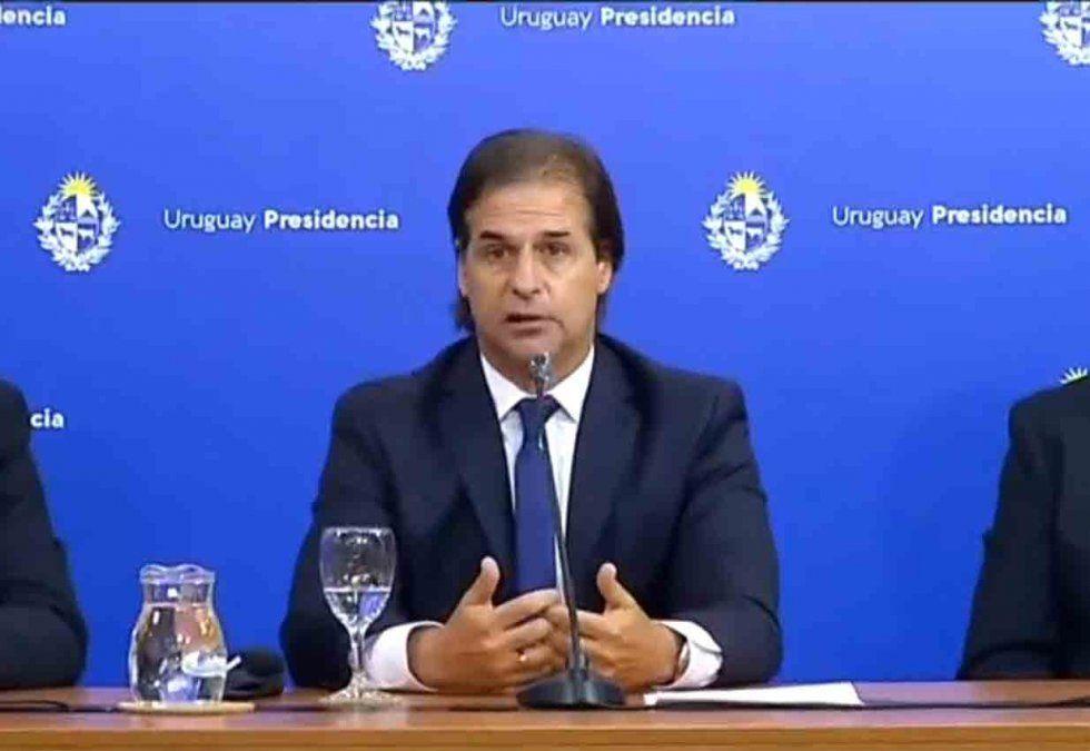 Lacalle Pou convocó al Consejo de Ministros ampliado por la situación del Covid