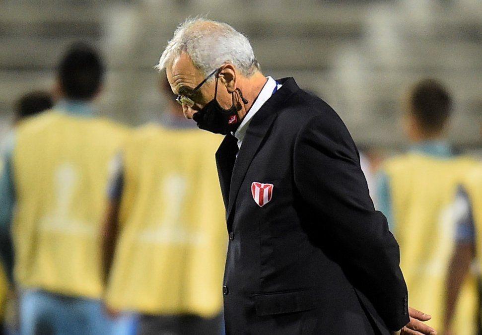 DT de River Jorge Fosatti tiene el desafío de llevar a su equipo a revertir un mal resultado en Montevideo