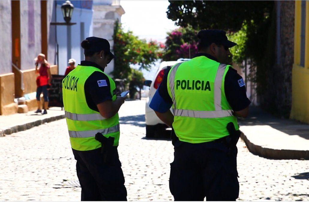 Policías en el programa verano azul. Foto: archivo.