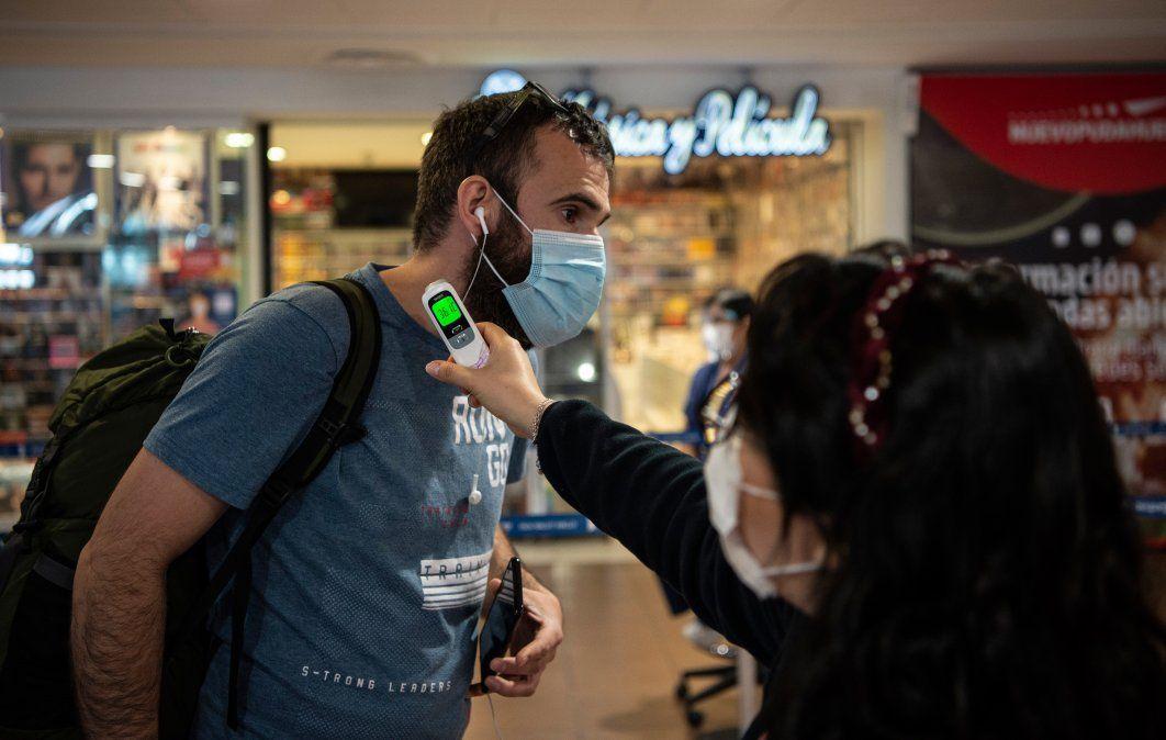 Control en el aeropuerto Merino de Santiago