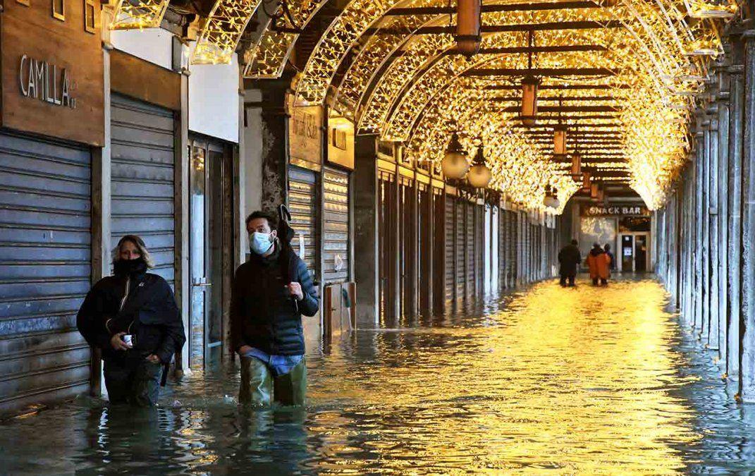 Venecia vuelve a estar bajo el agua por error en las previsiones