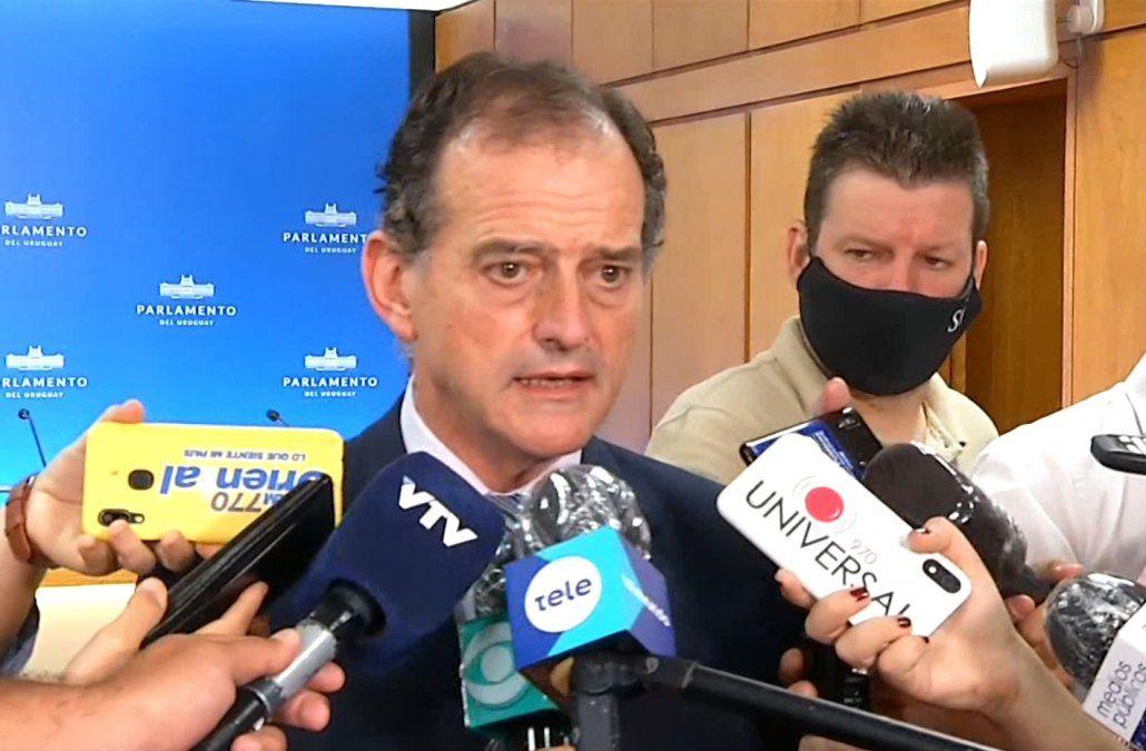 Manini Ríos dijo que Salinas quiere ser más restrictivo con las medidas anti coronavirus