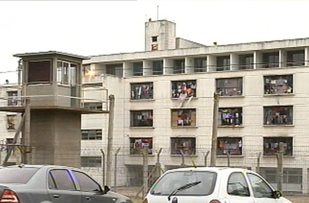 Incidente en cárcel de mujeres: una presa quemó un colchón