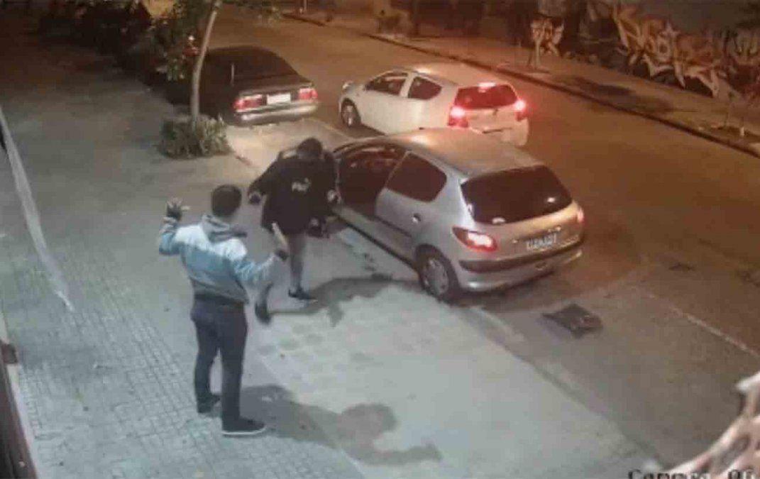Dos policías resultaron baleados en dos intentos de rapiña