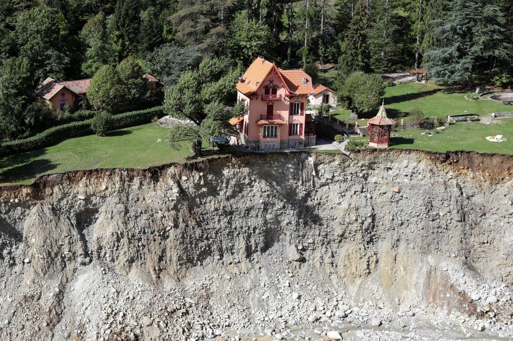 Esta imagen aérea que fue tomada en octubre muestra el daño en Saint-Martin-Vesubie
