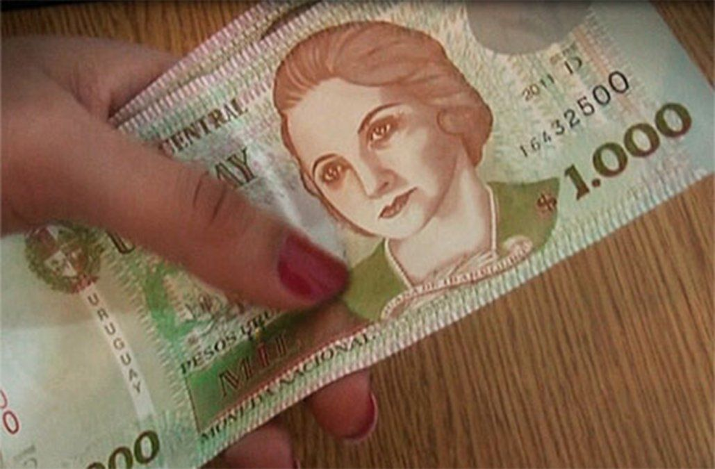 El salario mínimo subirá 10% a partir de enero ubicándose en $17.930