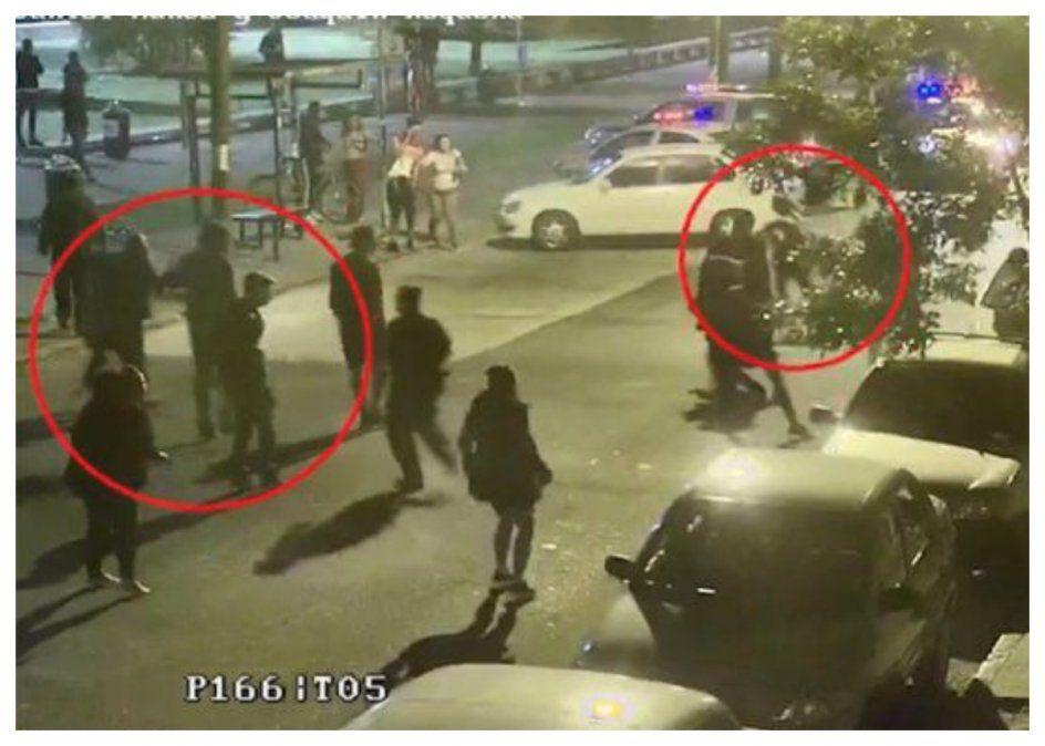 Enfrentamiento entre policías y activistas en Plaza Seregni: ¿riesgo sanitario o atentado a la libertad?