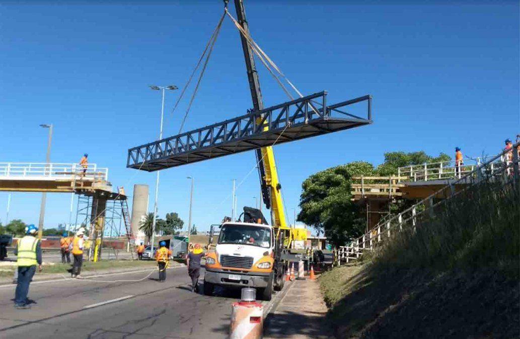 Reparan el puente peatonal que se había derrumbado en los accesos