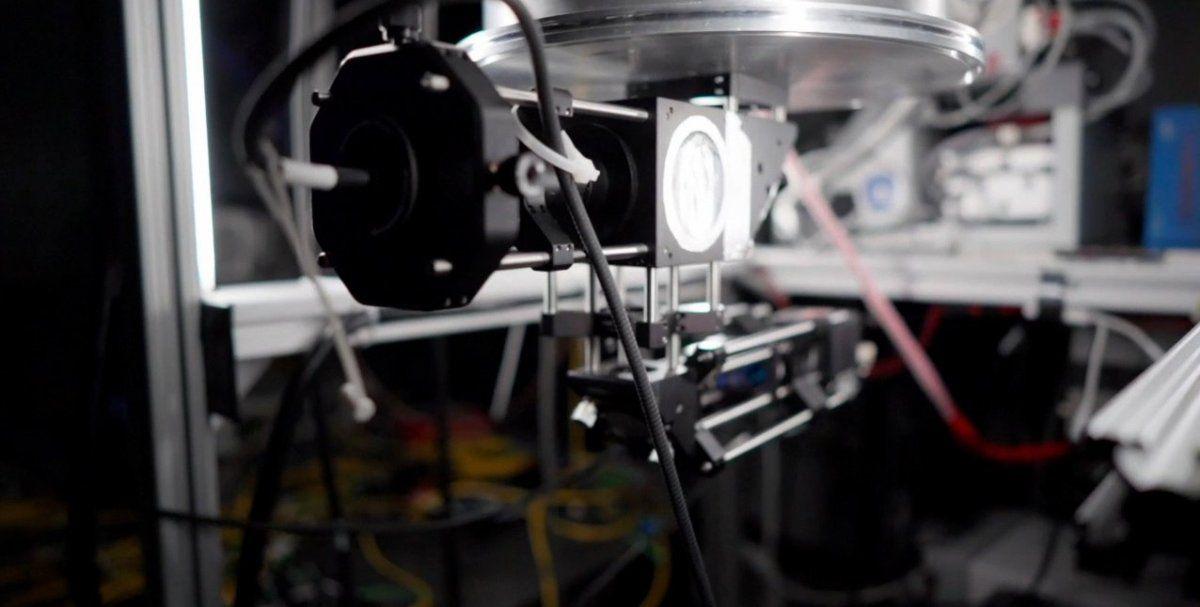 Sistema láser para probar sensores cuánticos.