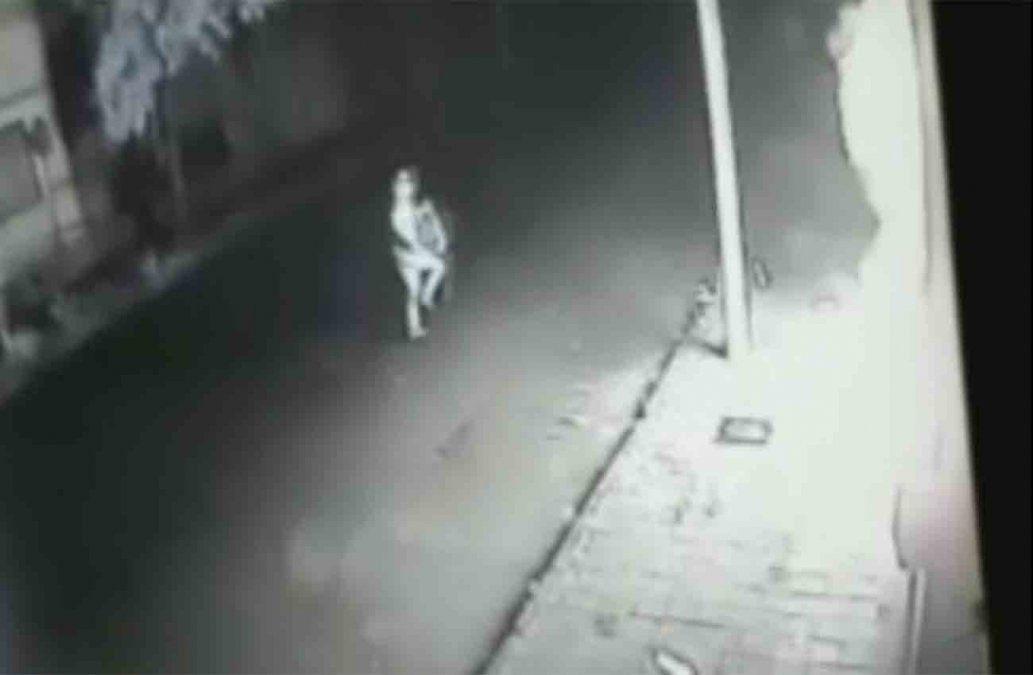 Investigan ataque con bomba molotov al Centro de Sanidad Policial