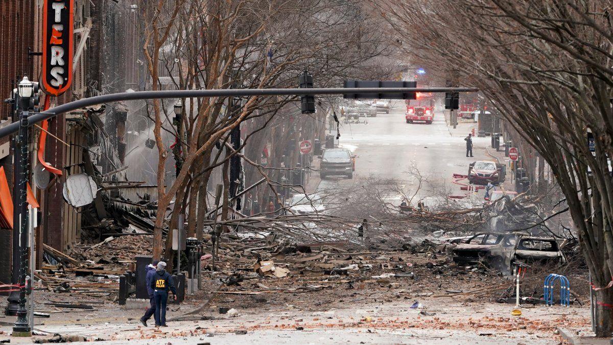 Fuerte explosión en el centro de Nashville; se investiga como un atentado