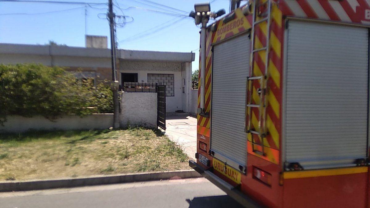 Una persona fallecida y otra intoxicada en un incendio en Cerro Norte