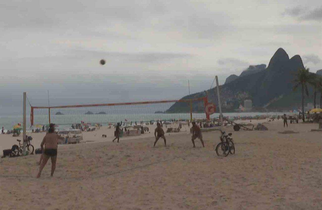 Río de Janeiro bloqueará el acceso a sus playas la noche del 31