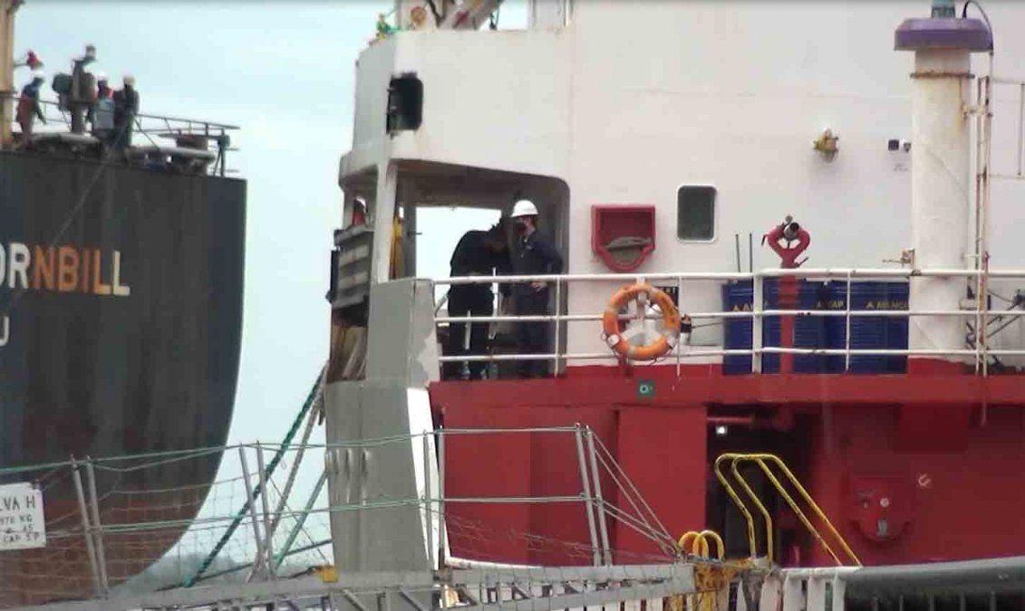 Trasladan 6 tripulantes de un buque de Ancap por Covid-19