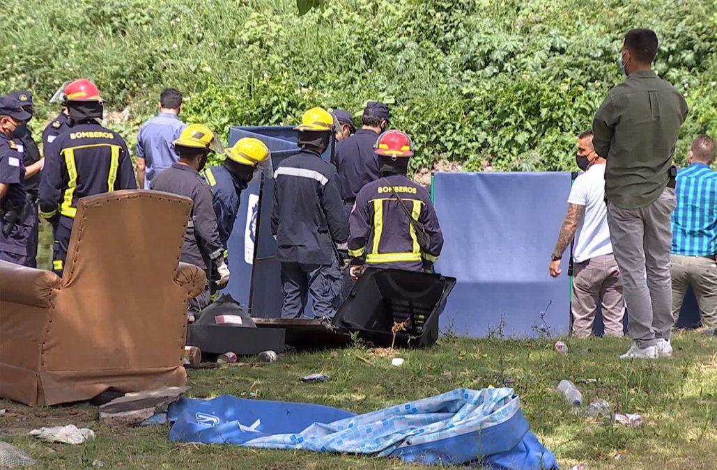 Hallaron el cuerpo de un hombre con varios balazos en el arroyo Miguelete