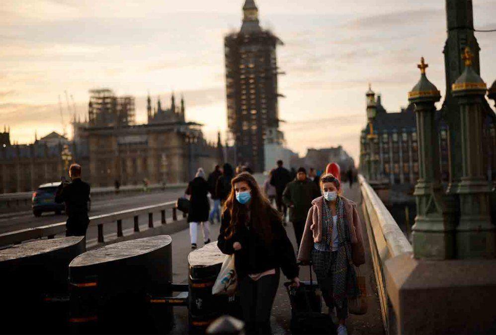 Reino Unido entra en una cuarentena más estricta ante el avance del coronavirus