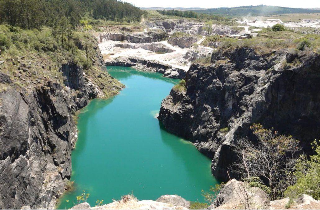 Advierten del peligro de visitar la cantera Nueva Carrara en Maldonado