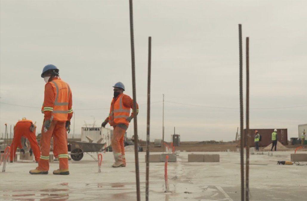 Declaración jurada y testeo masivo en obras grandes en el regreso de la construcción