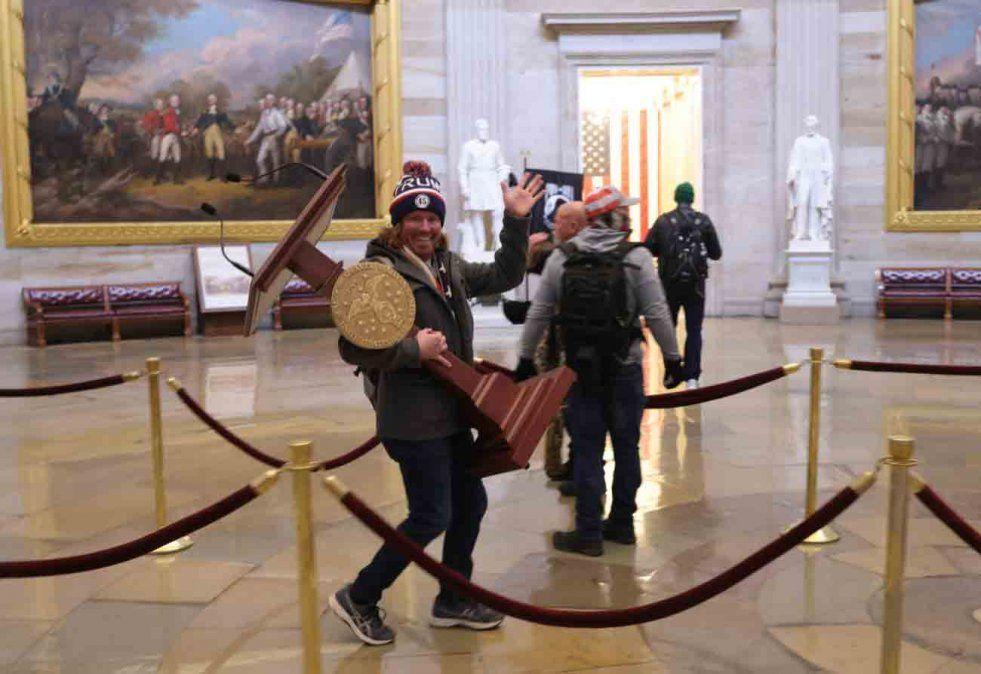 La toma del Capitolio de Estados Unidos en imágenes